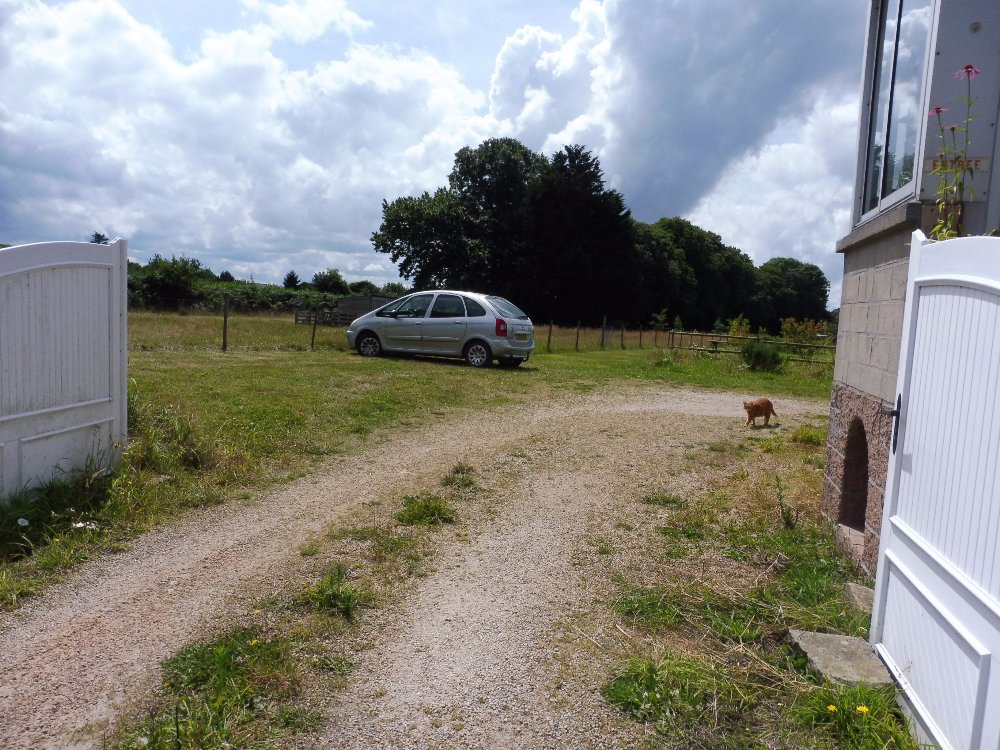 Aire camping-car à Ploumilliau (22300) - Photo 2